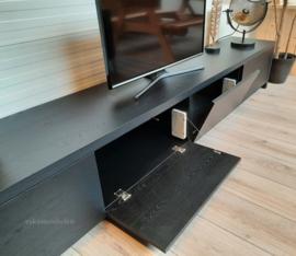 Tv meubel 'Dior' van eikenhout