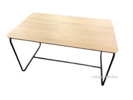 Eiken tafel met stalen onderstel (prijs op aanvraag)