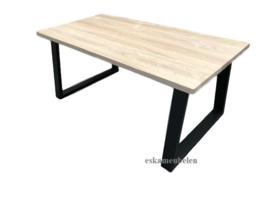 Massief eikenhouten (eet) tafel met Trapezium poot/onderstel