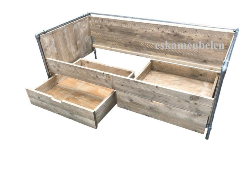 Bed Industrial de Luxe met lades