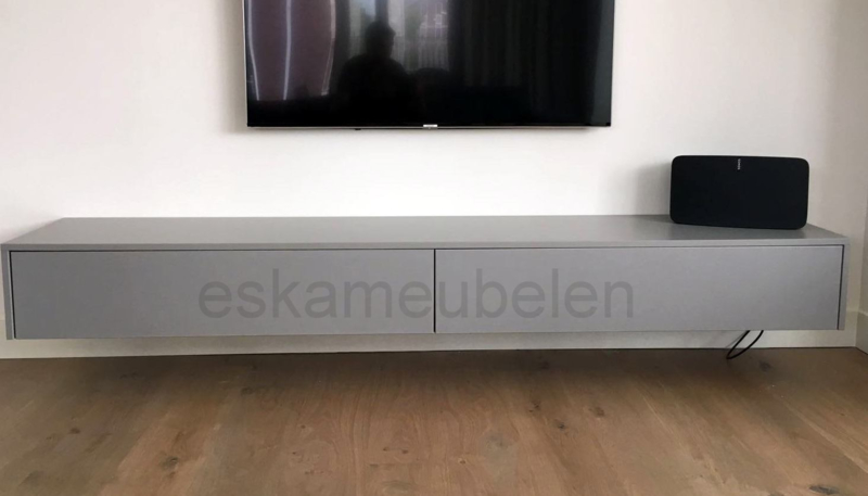 Tv-meubel 'Oswald' van MDF
