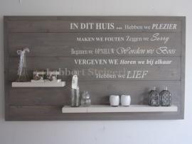 Steigerhouten wandbord 135 x 78 cm, met lijst en tekst In Dit Huis