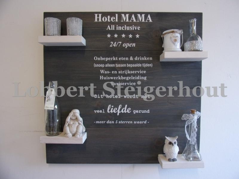 Steigerhouten wandbord 80 x 80 cm, 2 kleuren met tekst Hotel Mama