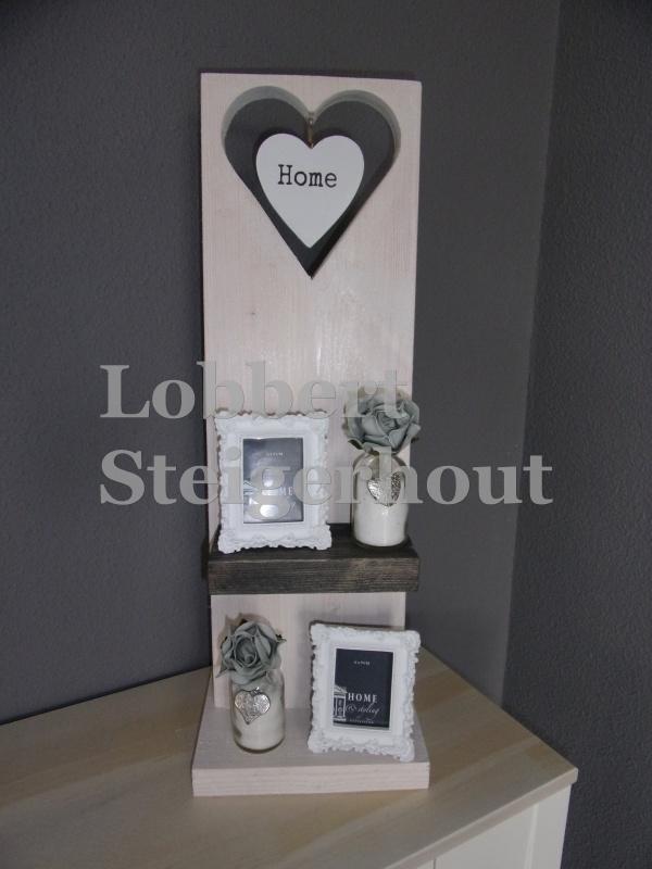 Steigerhouten decoratiebord op standaard, 2 kleuren met hart