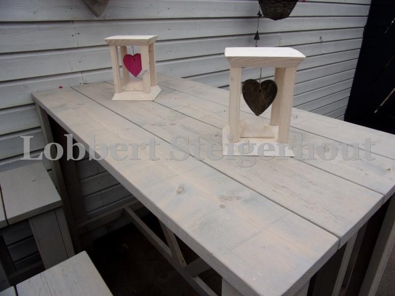 Decoratieve steigerhouten standaard met steigerhouten hangend hart