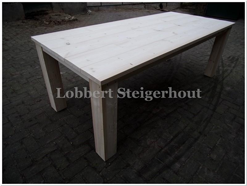 Steigerhouten tafel met blokpoten