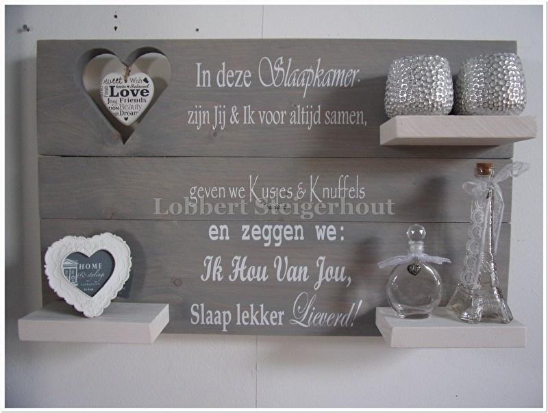 Nieuw! Steigerhouten Wandbord met hart 80(b)x50(h) cm, 2 kleuren beits met hart en tekst In de Slaapkamer