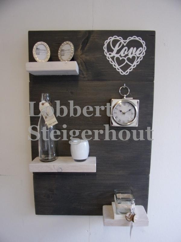 Steigerhouten wandbord, 2 kleuren met Hart Love