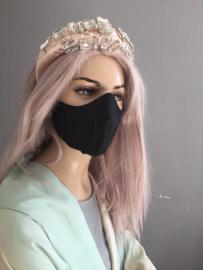 Zwart zijde masker