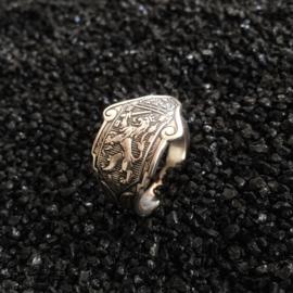 Ring met Nederlandse leeuw