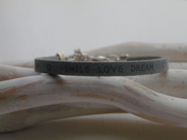 Leren armband smile, love, dream grey