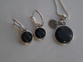 oorbellen + ketting shinny black