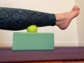 Self Myofascial Release Yin Yoga (Live Zoom inclussief massage ballen) - Woerden - zaterdag 20 februari  2021 -  15.00-17.00 - Muriel Baron en Mirjam Jansens