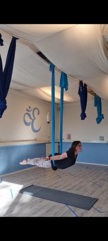 workshop Aerial Yoga - Woerden - zaterdag 17 juli - 13.00-15.00 - Renske