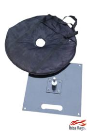 grondplaat met grindzak voor regenboog vlag