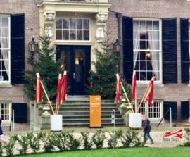 Kerstvlaggen voor Kasteel Groeneveld Baarn