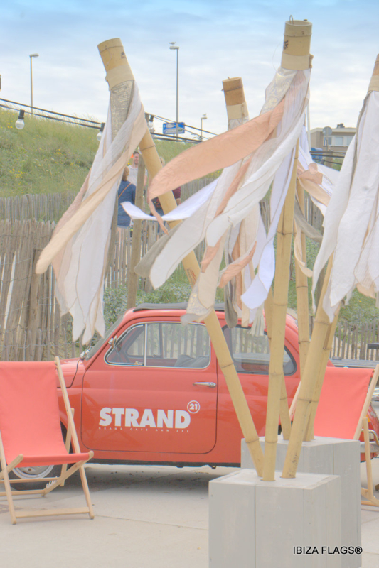 Ibiza Flags bij Strand