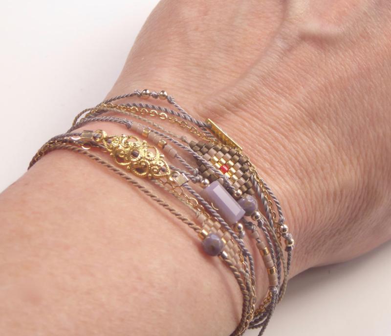 Set of 12 fine bracelets in one