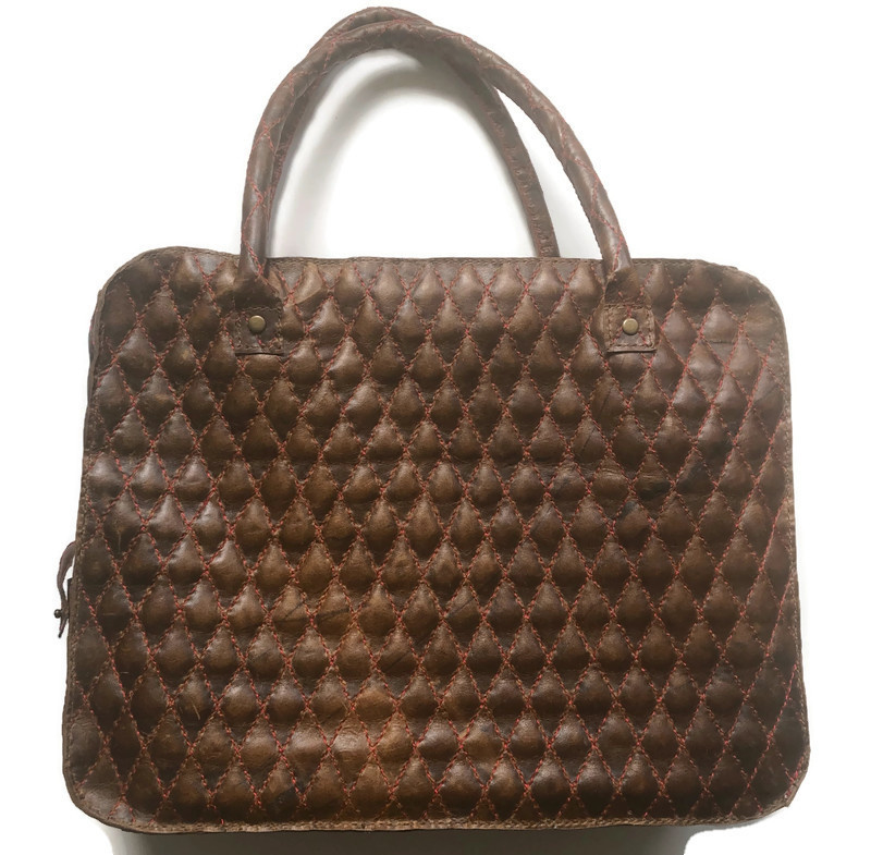 Leather quilted travel or working bag 'Liez'