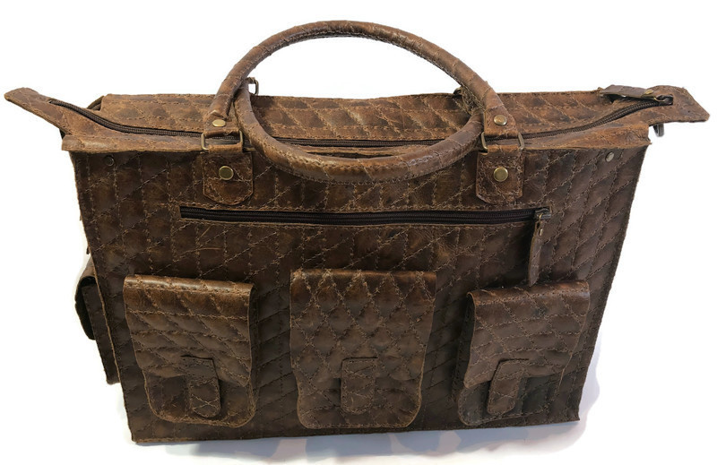 Leather quilted travel or working bag 'Tiny'