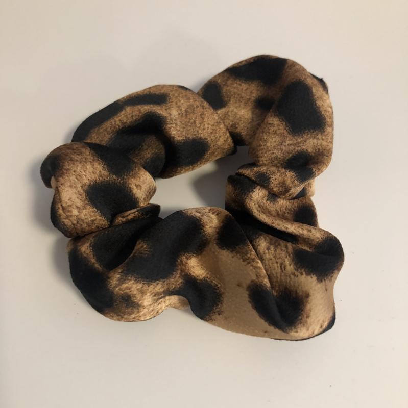 Scrunchie grove panterprint