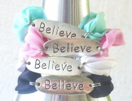 Ibiza armbanden Believe