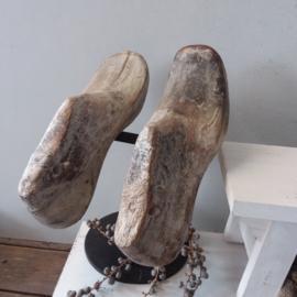 Schoenmal op standaard