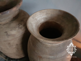 Oud houten Nepalese kruik M no. 9