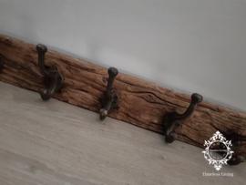 Kapstok - Stoer & sober oud hout no. 23