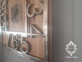 Wandklok Luna - Vierkant hout met ruw nikkel - 36 cm. - Maat M