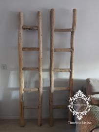 Oud houten balken ladder no. 1