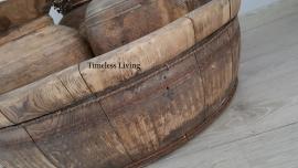 Stoere origineel oud houten olijfbak XL - ∅  65 cm. no. 4