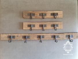 Kapstok - Stoer & sober oud hout