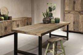 Eettafel Massimo - Industrieel robuust en sober geleefd hout