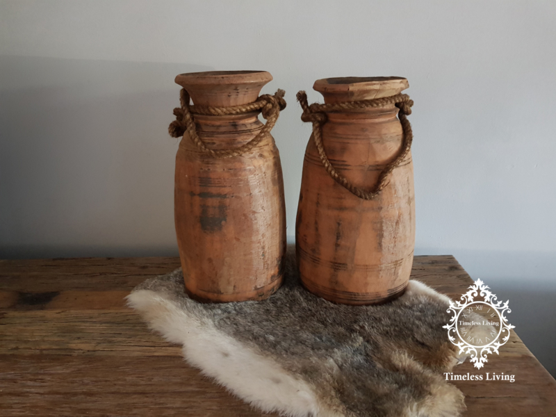 Oud houten Nepalese kruik no. 17