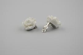 White rose oorbellen