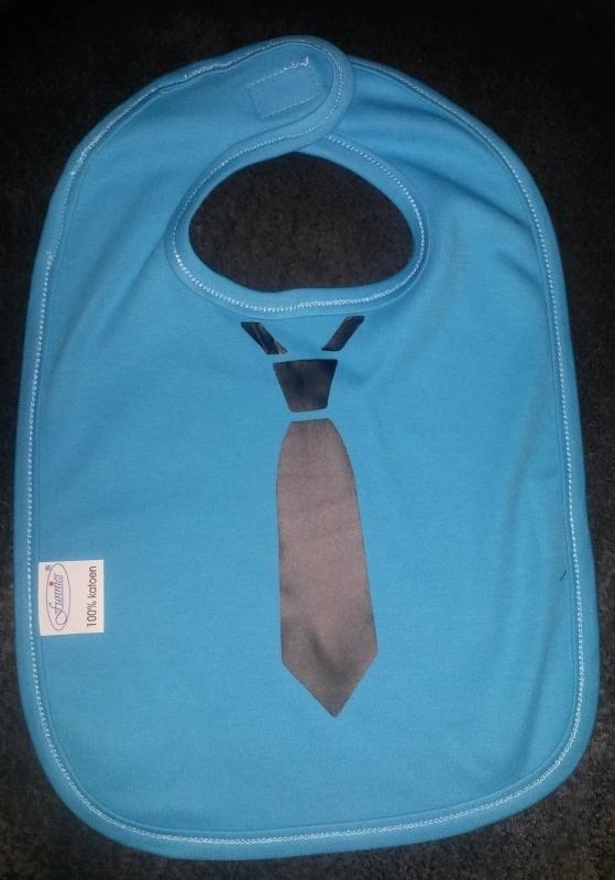 Slabbetje met stropdas