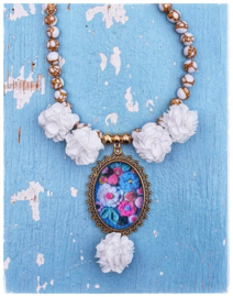 Ketting - Adinda's World - Gehaakte bloemen in blauw met goud