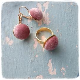Oorbellen en ring - Pink velvet