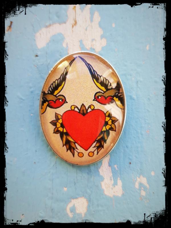 Broche Old-school tattoo Two swallows one  heart (zilverkleurig)