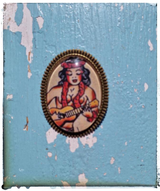 Broche Old-School tattoo Hula girl (bronskleurig)