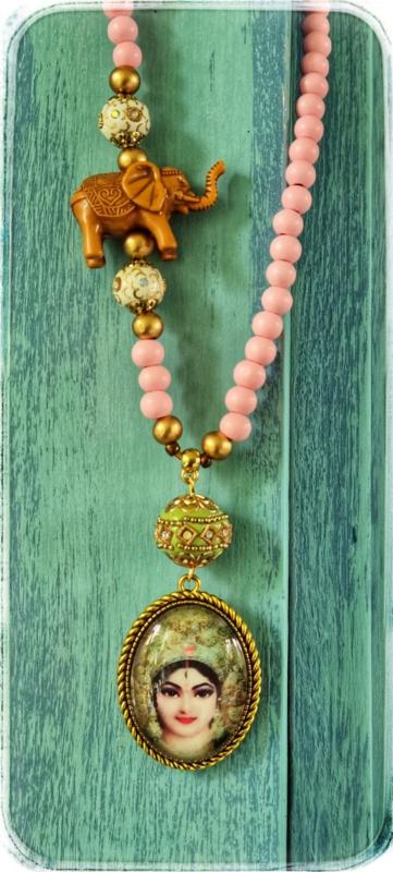 Ketting - Goddess Lakshmi (Godin van licht, rijkdom en geluk)