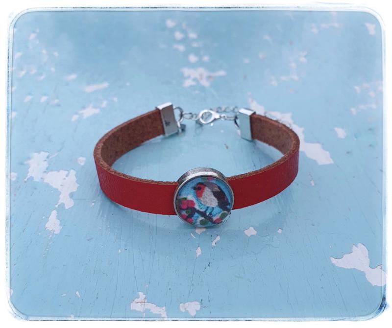 Armband rood leer  - Roodborstje blauw - Adinda's World