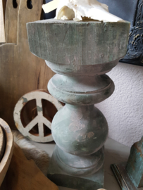 Oude houten baluster