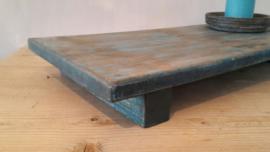 Oude bajot tafel