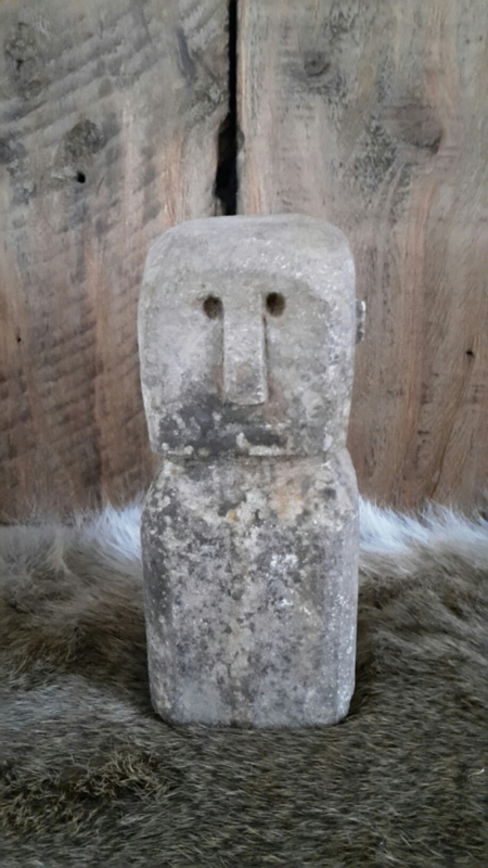 Stenen mannetje  nr.2