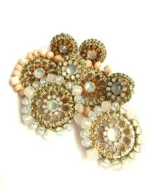 Oorbellen  - Flower with beads Pink