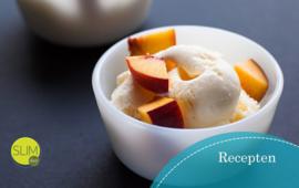 Verfrissend vanille-perzik ijs als tussendoortje