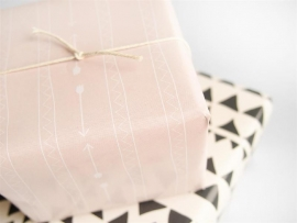 Wrapping paper - Arrows & triangular design