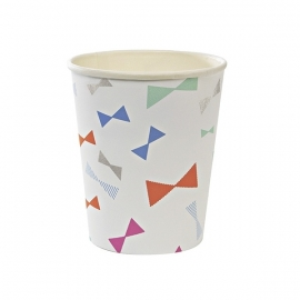 Paper cups bow pattern